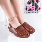 Sandale cu talpa ortopedica dama maro Dolesia