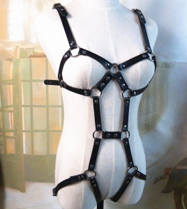 Leather Bondage Harness Open Teddy Piele PU Capse Inele Metalice BDSM Fetish