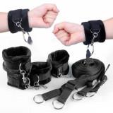 Cătușe pentru mâini și picioare cu prindere de pat și blindfold