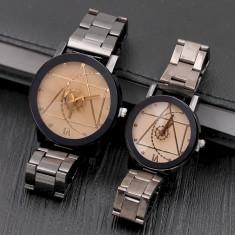 Ceasuri pentru cuplu cu curea metalica
