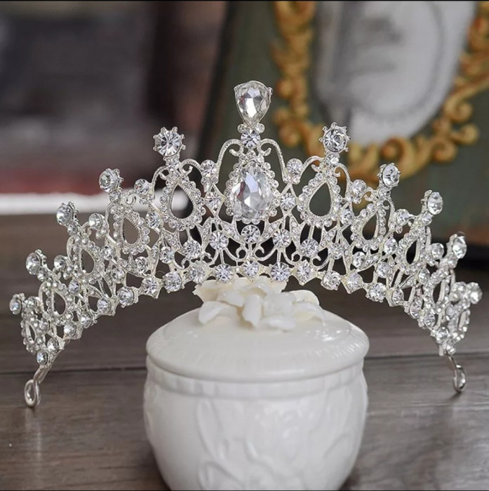 Diadema coronita tiara mireasa cu cristale tip Swarovski