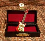Chitara electrica rosu cu alb