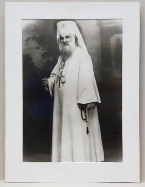 PATRIARHUL MIRON CRISTEA ( 1868 - 1939) , FOTOGRAFIE IN STUDIO , PE HARTIE LUCIOASA , PERIOADA INTERBELICA