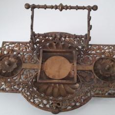 calimara veche de birou din bronz masiv