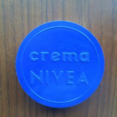 crema nivea cutie din plasic perioada comunista epoca de aur colectie RSR 1983