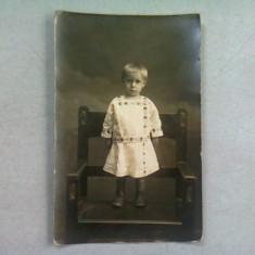 FOTOGRAFIE TIP CARTE POSTALA, COPIL IN PORT POPULAR, ANII '20