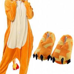 PJS134-19 Set pijama kigurumi + papuci de casa model Fire Dragon