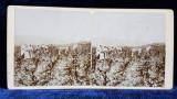FEMEI LA PRASILA IN LOCALITATEA BUMBESTI , GORJ , FOTOGRAFIE STEREOSCOPICA , MONOCROMA, PE SUPORT DE CARTON , CCA. 1900