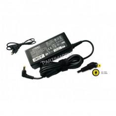 Alimentator - incarcator laptop eMachines D443 D525 D528 E720 E725 E732 E620 E527 E528