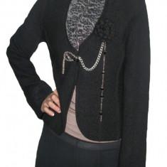 Sacou cazual, model aparte, material tip jerse, de culoare neagra