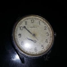 ceas mecanic rusesc Chaika,ceas vechi mecanic mana,stare cum se vede,Tp.GRATUIT