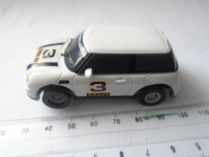 bnk jc Micro Scalextric Mini Cooper 1/64 Hornby