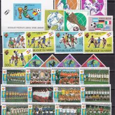 Lot  timbre  fotbal  serii  complete   cota  Michel  aprox.= 37   MNH  w64