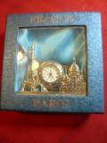 Ceas de masa - Suvenir Paris cu Turnul Eiffel ,Sacre Coeur cu baterie ,L=8,2cm