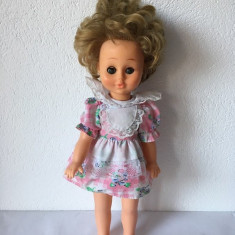 T - Papusa Aradeanca, 37cm, ochi mobili albastri, par blond, anii '80