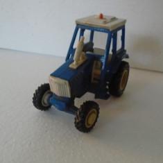 bnk jc Britains Ltd - tractor