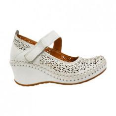 Pantof clasic cu bareta peste picior, din piele naturala moale