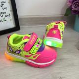 Cumpara ieftin Adidasi roz cu galben cu lumini led pantofi cu beculete pt fetite 21 22 23 24, Fete