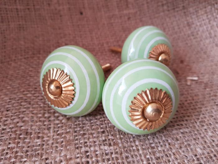 Manere, butoni din ceramica