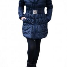 Jacheta groasa din fas, de culoare bleumarin