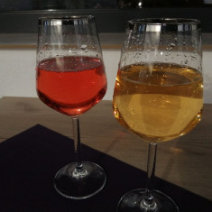Vin alb demisec si roze demidulce