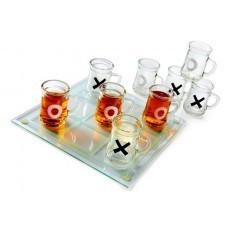 Joc X si 0 cu shoturi cu alcool