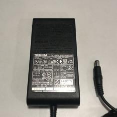 Incarcator original laptop Toshiba second hand model PA3083U-1ACA mufa rotunda 15V - 5A - 75W
