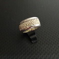 inel de argint cu  piele de sarpe