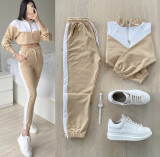 Trening dama lung crem cu alb cu pantaloni lungi si bluza cu maneca lunga fashion