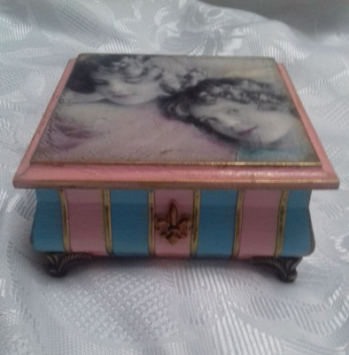 Caseta pentru bijuterii 12,5x12 cm foto