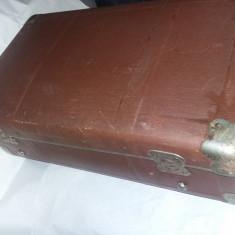 geamantan/valiza veche RARA O incuietoare+cheie,valiza Ceausista,stare conf.foto