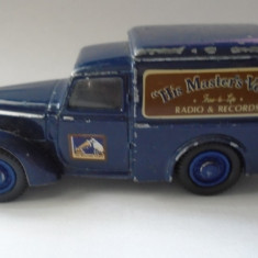 bnk jc Matchbox Dinky DY-8 1948 Commer 8CWT Van