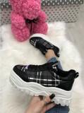 Adidasi  dama negri cu platforma marime  39, 40+CADOU