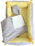 Cumpara ieftin Reductor Bebe Bed Nest cu paturica si pernuta antiplagiocefalie Deseda Stelute pe gri