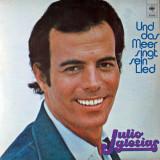 Cumpara ieftin Julio Iglesias - Und Das Meer Singt Sein Lied (1978, CBS) Disc vinil LP original