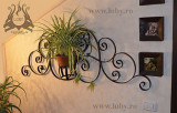 Suport din fier forjat  pentru o floare.