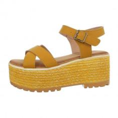 Sandale trendy, galbene, cu platforma foto