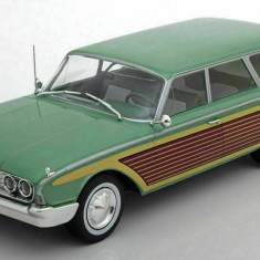 Macheta Ford Country Squire - 1960 - Modelcar Group scara 1:18