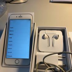 vand iPhone 6/16GB, alb, in cutie, toate accesoriile, liber de retea, perfect