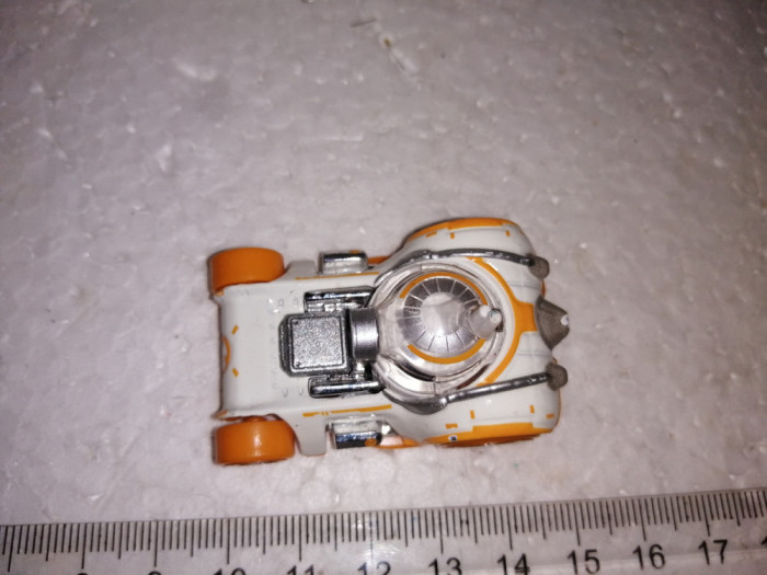 bnk jc Hot Wheels Star Wars BB-8 Character Car