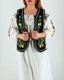 Cumpara ieftin Vesta brodata cu model traditional Doina