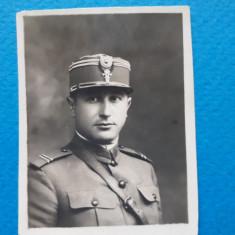 POZA VECHE Portret ofiter × sub anii'30