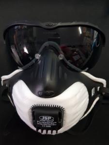 Set 3 masti ffp3 cu supapa JSP made in uk + o pereche ochelari
