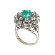 Inel din aur 18k cu smarald 2ct si 18 diamante