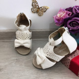 Cumpara ieftin Sandale albe cu fundita pt fetite bebe 19 20 21 23 ( talpa piele naturala )