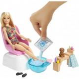 Barbie - set cu papusa la salonul de manichiura, Mattel