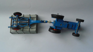 bnk jc Matchbox Kingsize K11 Fordson Tractor and Whitlock Tipping Trailer