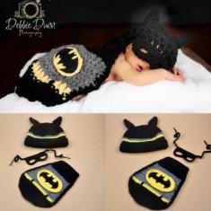 Costum crosetat bebelusi model  Batman/Spiderman  botez sedinte foto nou
