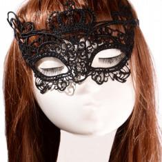 MSK70-1 Masca de carnaval din broderie, model Queen