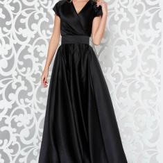 Rochie Ana Radu neagra de lux lunga in clos din material satinat accesorizata cu cordon